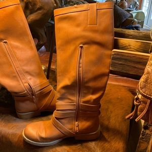 Shoes - Ladies Tall Boots with side zipper